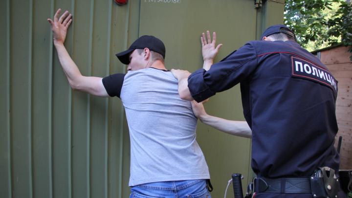 Явился с повинной: в Архангельске задержали подозреваемого в убийстве ревнивого мужа