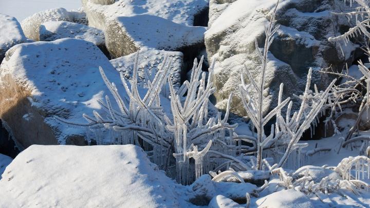 Завораживающее зрелище: Обское море сковало льдом и снегом