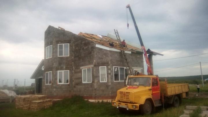 Шквалистый ветер в Башкирии срывал крыши и ломал деревья
