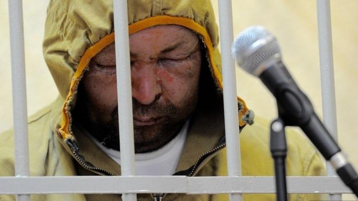 """Правозащитник попросил прокуратуру выяснить, кто избил поджигателя """"Космоса"""" перед судом"""