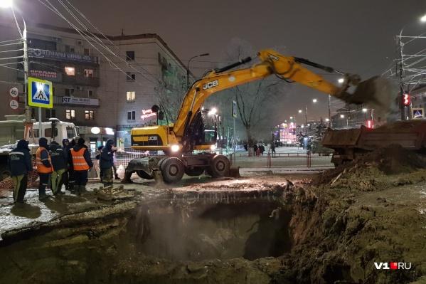 К ночи на 7-ой Гвардейской был раскопан огромный котлован