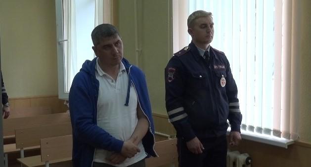 В Екатеринбурге арестовали байкера без прав, которого после погони задержал мотопатруль