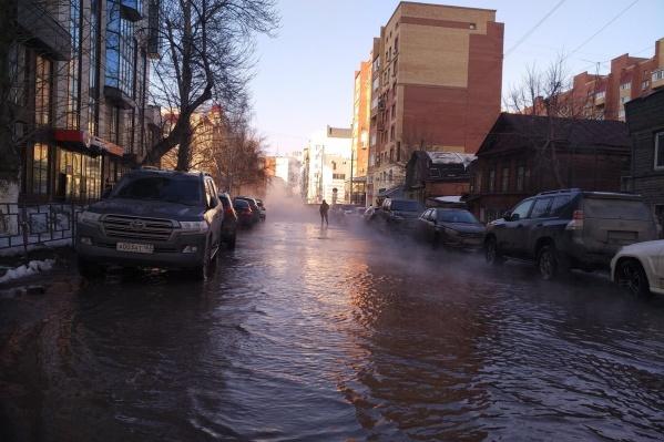 Улицу Садовую затопило