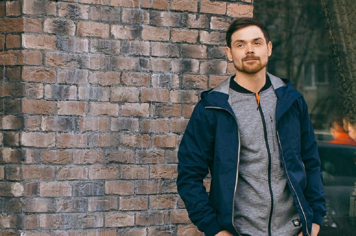 Андрей работает на пороховом заводе и меньше года занимается модельным бизнесом
