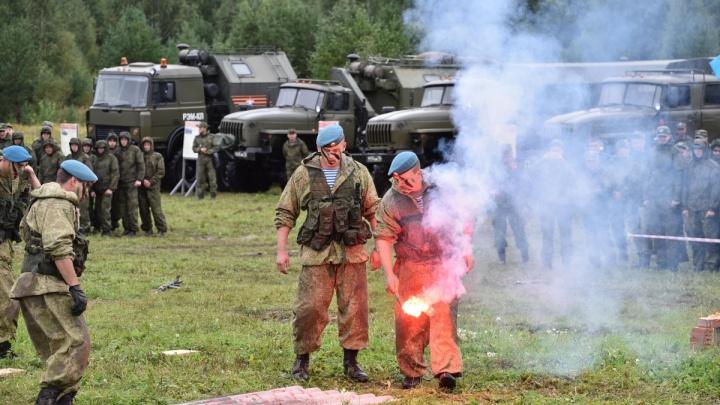 Екатеринбуржцев позвали пострелять из раритетного оружия ипокататься на бронетранспортере