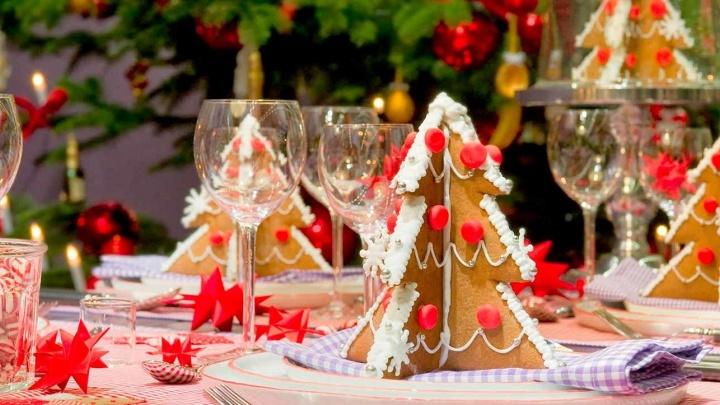 Горожанам рассказали об основных блюдах новогоднего стола в год Собаки