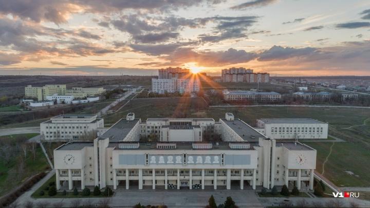 Ради российского гражданства студент ВолГУ из Таджикистана женился на аспирантке из Волгограда