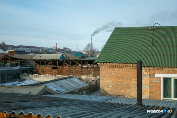 Дым от печного отопления при сжигании обычного угля