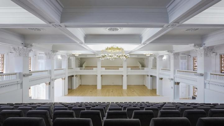 Спекулянтам бой: оперный театр повысил цены на премьеру в новом зале
