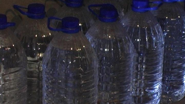 В Тольятти осудили мужчину, который хранил в гараже 4000 литров разбавленного спирта