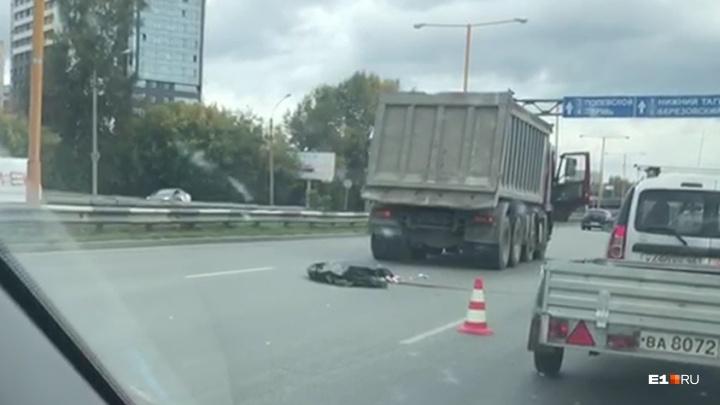 На Объездной грузовик насмерть сбил человека