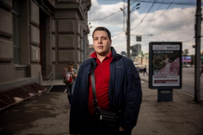 Владимир не работает около двух месяцев, но активные поиски работы начал только две недели назад