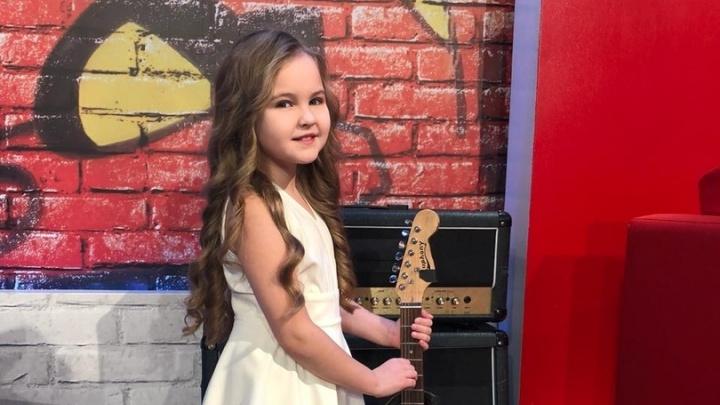 «Это была её мечта»: 9-летняя певица из Новосибирска попала в команду Меладзе на шоу «Голос»