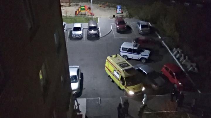В Тарманах насмерть разбилась 19-летняя девушка, выпавшая с балкона 14-го этажа