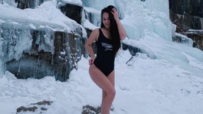 Эффектная гимнастка из Красноярска борется за титул мировой красавицы в Индии: любуемся фото