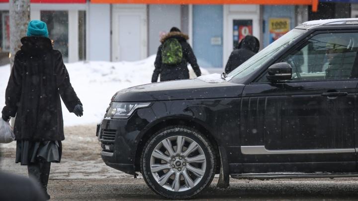 Юз на блокировке vs АБС: эксперт объяснил, как правильно останавливать автомобиль на зимней дороге