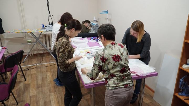 Научат шить для себя и на продажу. В Перми открыли швейный коворкинг для женщин в трудной ситуации