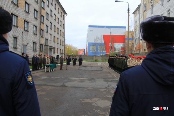 Распределительный пункт Архангельского областного военкомата — отсюда все солдаты уезжают по разным частям