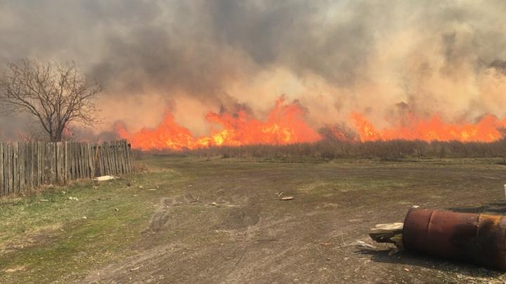 Курган заволокло дымом от пожаров в пригороде и Кетовском районе