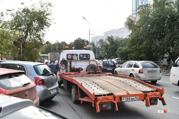 Водители эвакуаторов начали массово увольняться
