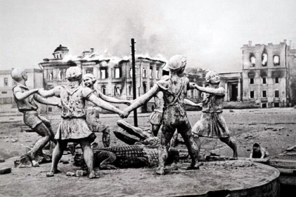 Легендарный фонтан разрушили в начале 1950-х, но часть его удалось найти