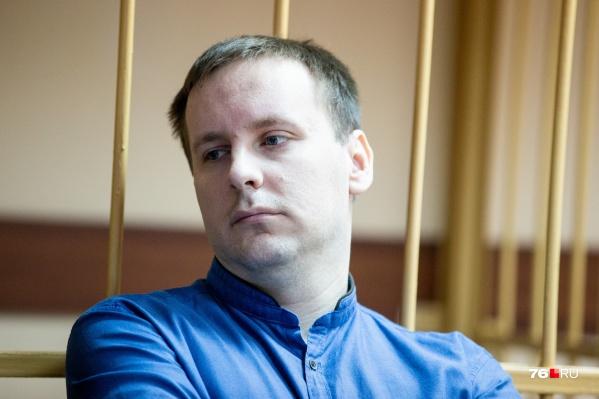 Сергей Ефремов в зале суда держался спокойно