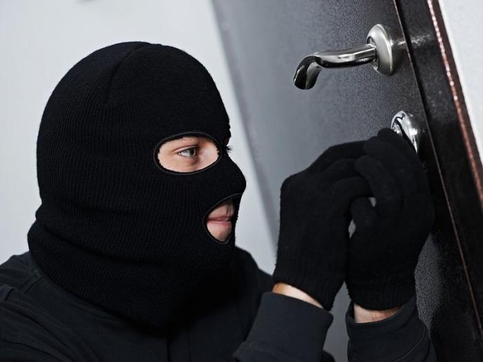 Не все входные двери способны защитить квартиру от непрошеных гостей