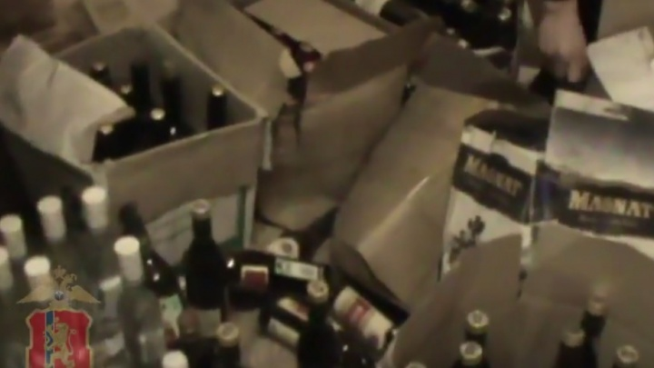 За подделку в промышленных масштабах водки «Пшеничная» бизнесмен получил 2 года условно