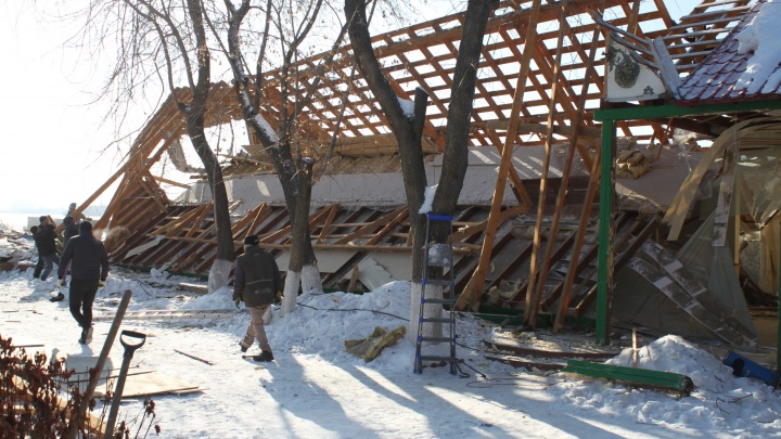 Скандальное кафе «Каспий» на Шарташе снесли во второй раз