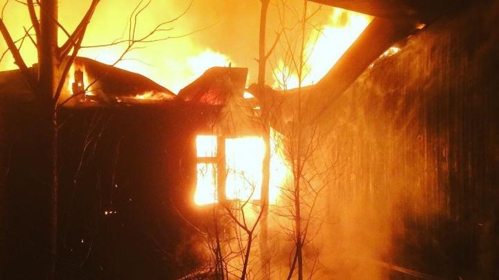 Ночью в яхт-клубе на Ялуторовском тракте дотла сгорела сауна