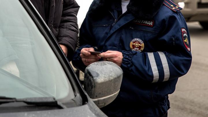 Автоинспекторы поймали на дорогах Новосибирска почти 90 машин со слишком тёмной тонировкой