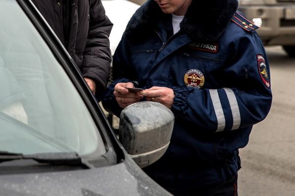 Автоинспекторы ловили нарушителей по всему городу