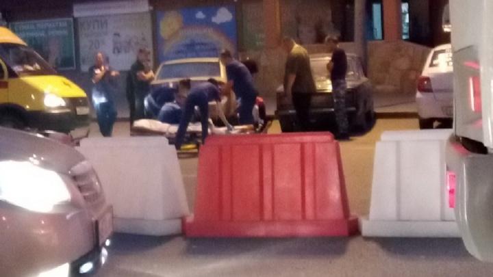 В вечерней аварии на Мельникайте пострадал водитель мопеда, столкнувшегося с «Москвичом»