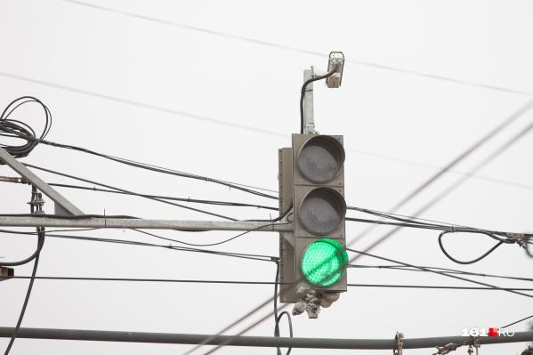В Ростове установят три новых светофора