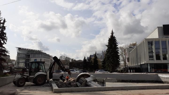 «Легенды больше нет»: фонтан у КЗ «Юпитер» снесли