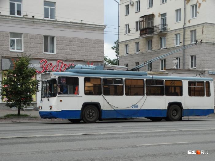 Ремонты дорог и труб повлияют на движение троллейбусов