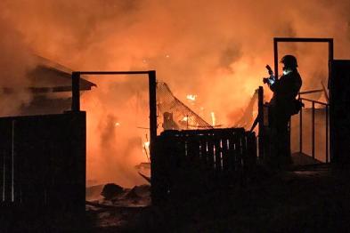 К счастью, основное пламя пожарные уже сбили
