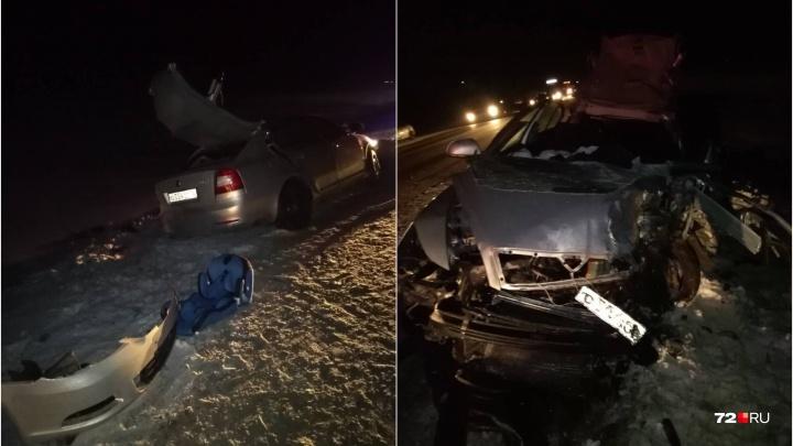 Смертельная авария на трассе Тюмень — Омск: трое взрослых погибли, в числе пострадавших есть дети
