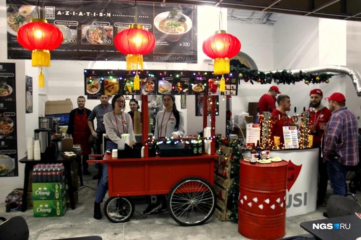 Кафе Aziatish принесло на фестиваль немного атмосферы азиатских рынков