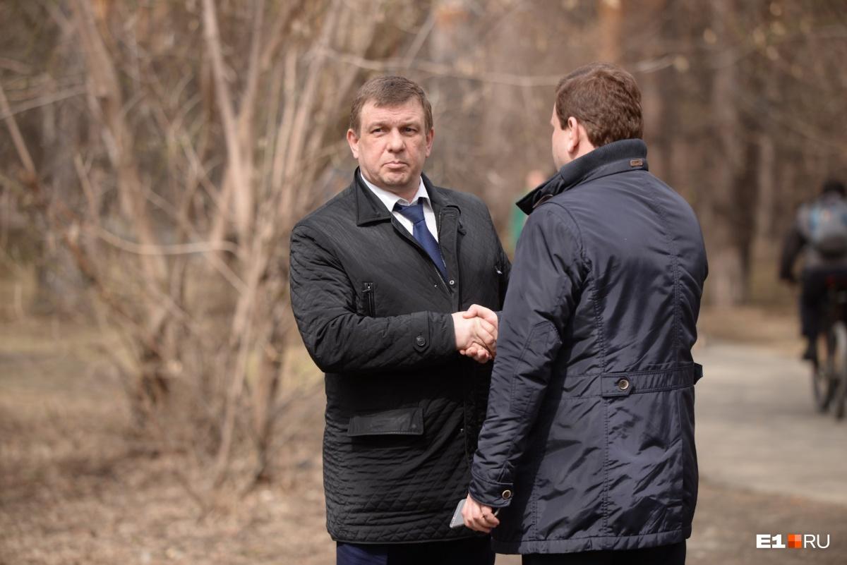 «Пока обсуждаем — внуки бриться начнут»: мэр не послушал урбанистов и поддержал вырубку Зеленой рощи
