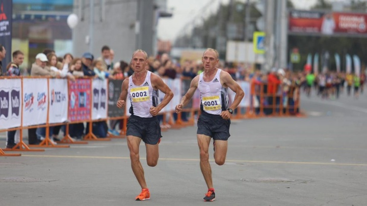 Опять всех обогнали: знаменитые братья стали самыми быстрыми мужчинами Новосибирска