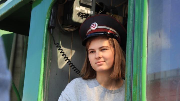 По рельсам на угле: фоторепортаж о прибытии в Архангельск ретропоезда