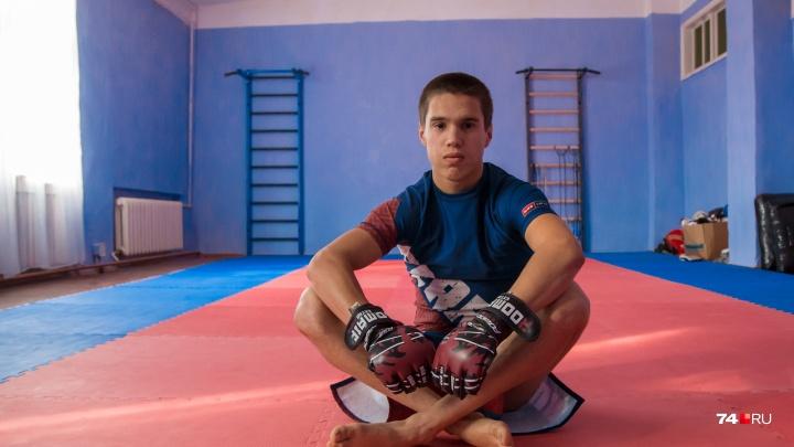 «Многое натворил»: воспитанник челябинской школы для детей-преступников стал звездой мирового карате