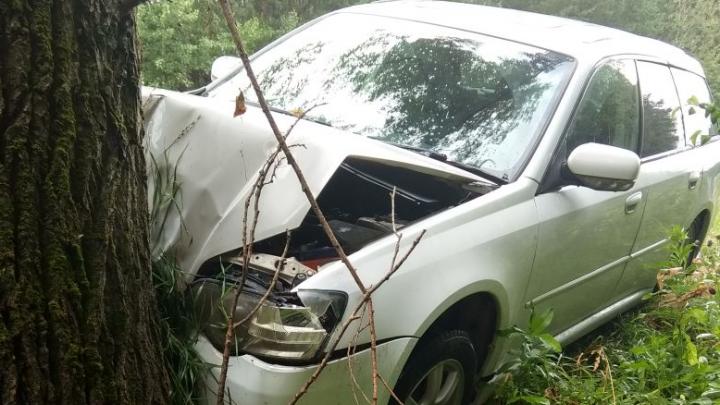 Пожилой грибник на «Субару» неумело развернулся и устроил аварию