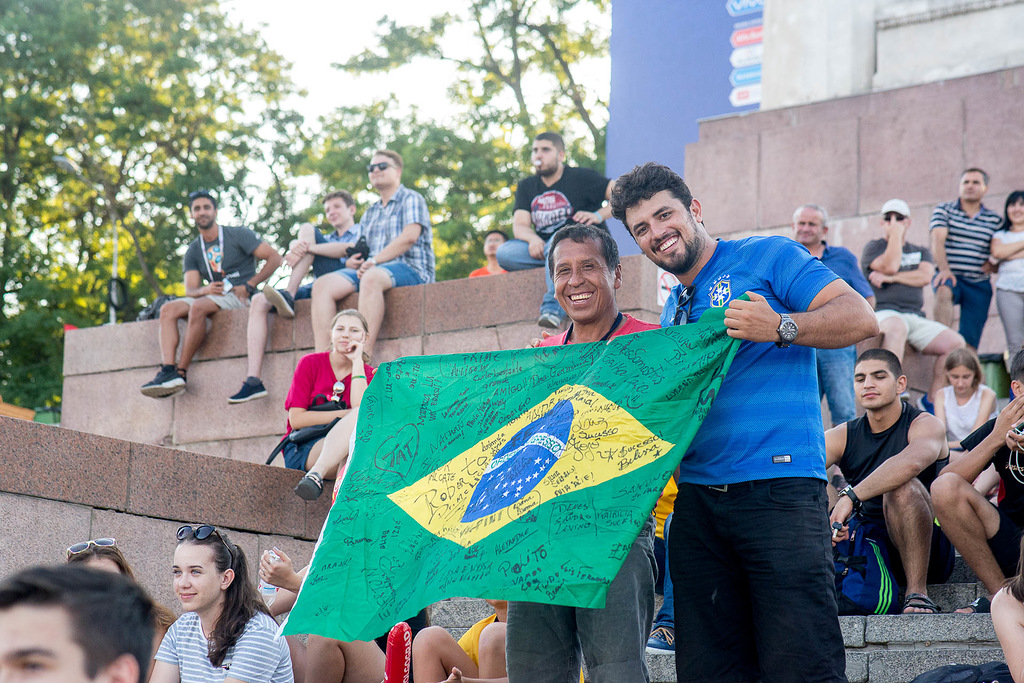 Бразильские фанаты будут болеть за свою сборную в матче с Бельгией