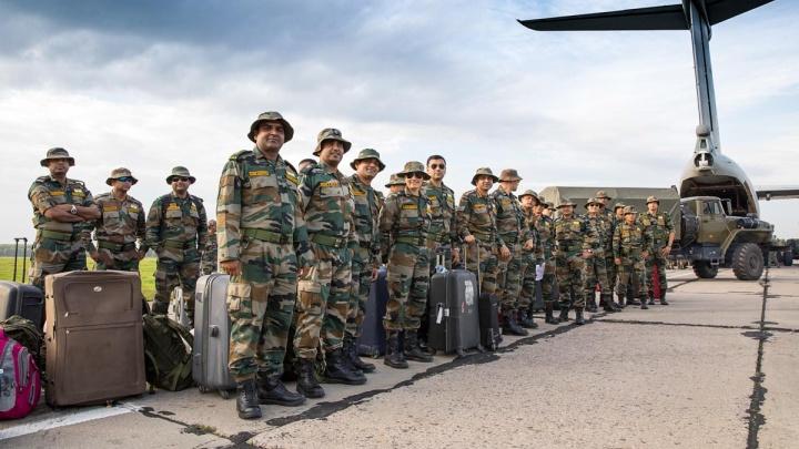 Встречали хлебом-солью: 200 военных из Индии прибыли на Южный Урал для участия в «Мирной миссии»