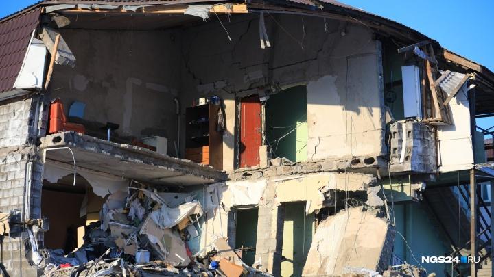 «Мы на улице без вещей»: жители взорвавшегося дома на Кандагарской жалуются Путину на коррупцию