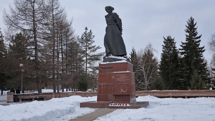 В Челябинске определили компанию, которая отремонтирует памятник «Орлёнок». Цена вопроса