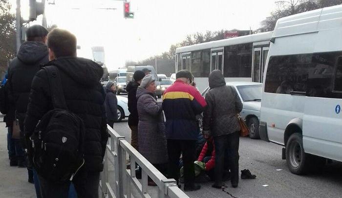 В Уфе школьник попал под колеса маршрутки