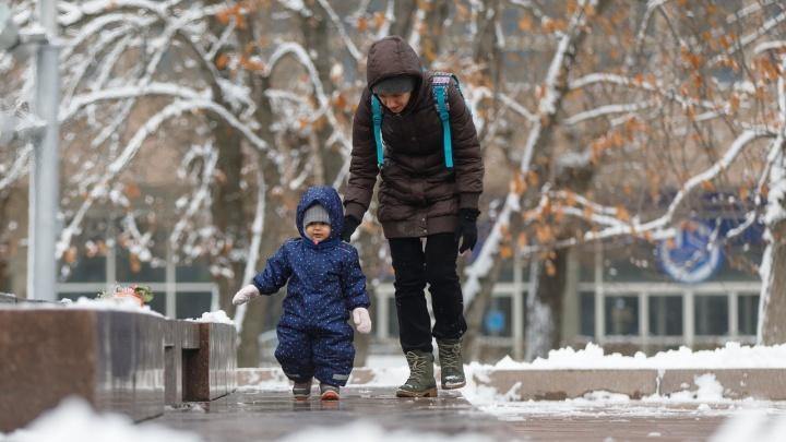 Зима в городе: снегопад в Волгограде стал головной болью коммунальщиков и радостью для горожан